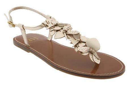 Sandali za lahkoten poletni korak