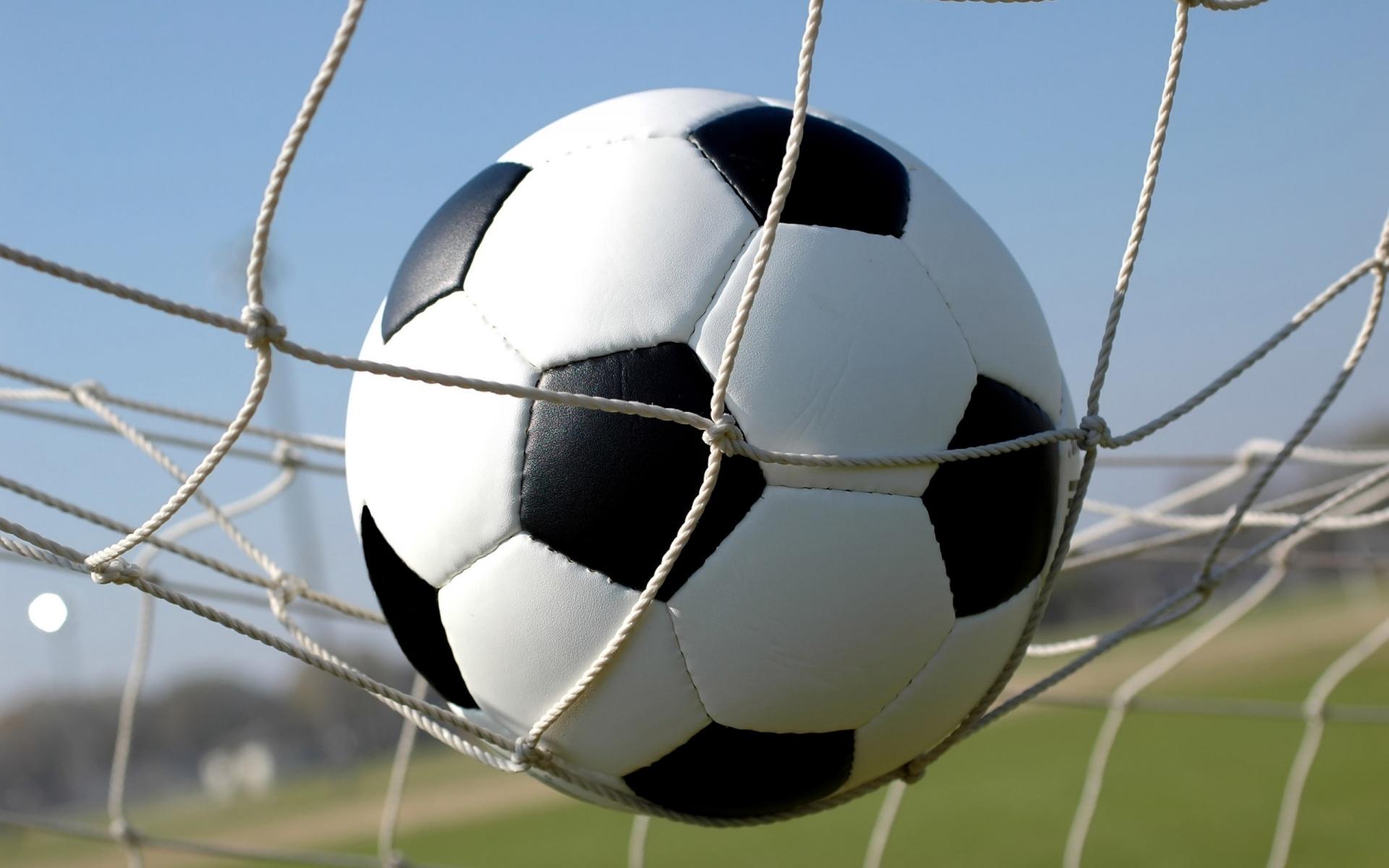 Le kakovostna obutev za nogomet je zagotovilo za dobro igro